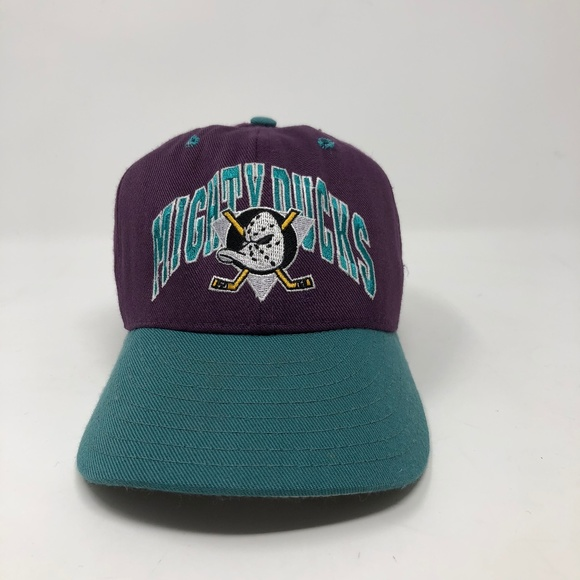 a3e9efcf1 Vintage Anaheim Mighty Ducks Fitted Hat 6 1/2. M_5b41484b9539f7eb3facacea